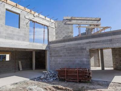 Construction villa